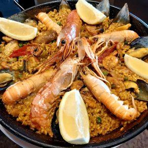 Chez Restaurant El Carlit au Pas de la Casa on trouve la typique paella de poisson espagnole