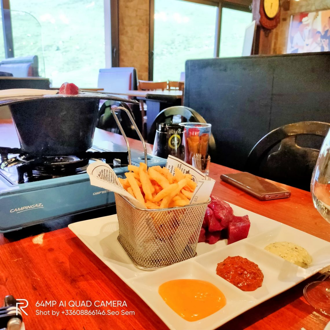 Viande délicieuse et fondue extra. Venu par hasard en couple, avant de poursuivre notre week-end sur Andorre la vieille, nous n'avons pas été déçus !