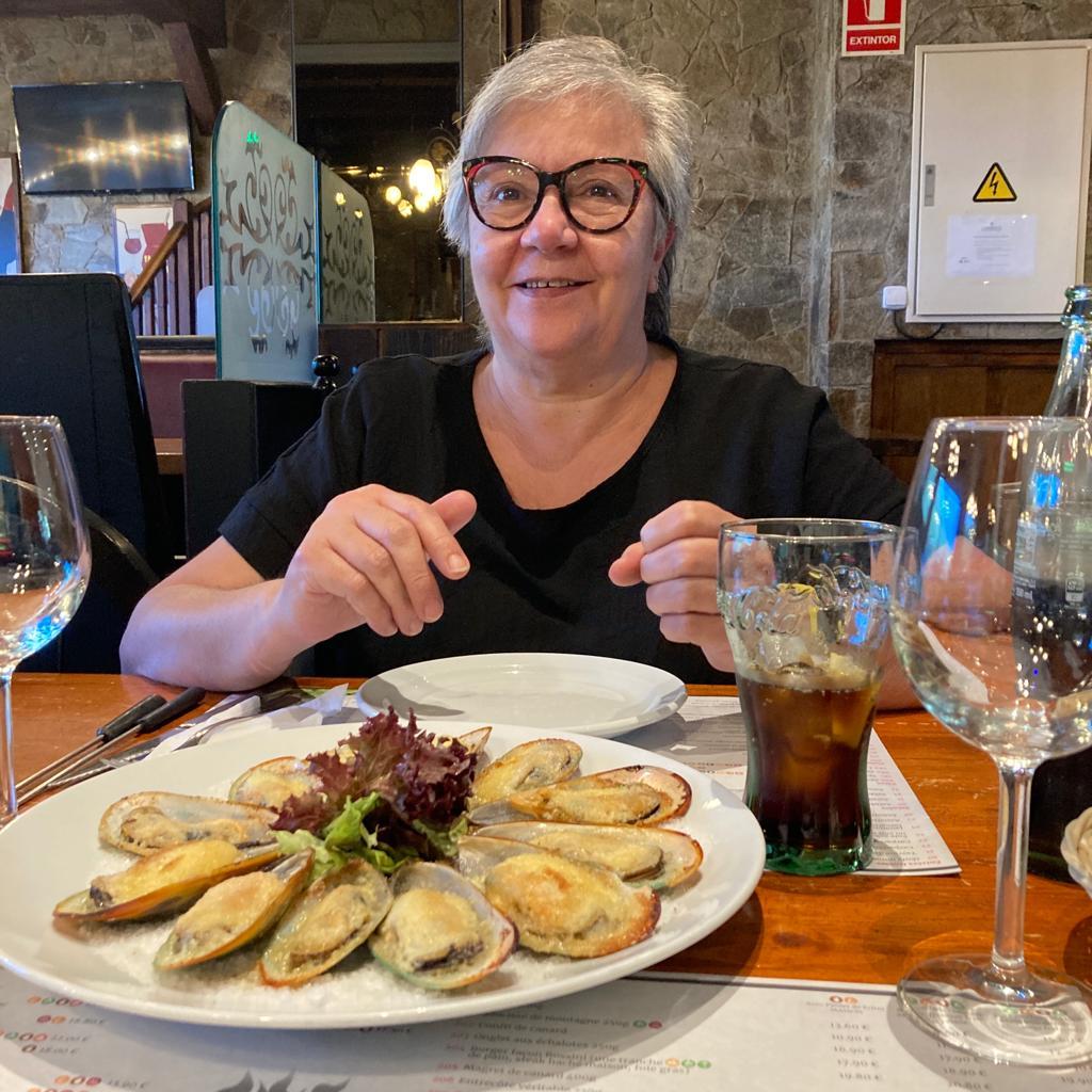 De superbes moules gratinées à l'aïoli dégustés au Restaurant Pas de La Casa El Carlit de Neu le gout du méditerrané a la montagne de l'Andorre.