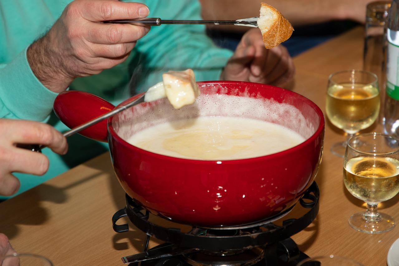 Venez manger dans un des meilleurs restaurants du Pas de la Casa en Andorre. Vous pourrez goûter les délicieuses fondues chez nous le restaurant El Carlit au Pas de la Case en Andorre.