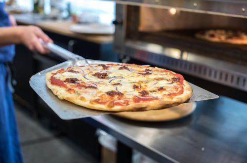 Je suis difficile en matière de pizza, pour moi, il n'y en a qu'une, la napolitaine, une pizza légère, une pâte excellente, et des produits que l'on savoure. Ici, pas de démesure, pas d'extravagance, seulement le goût délicat d'une tradition bien maîtrisée