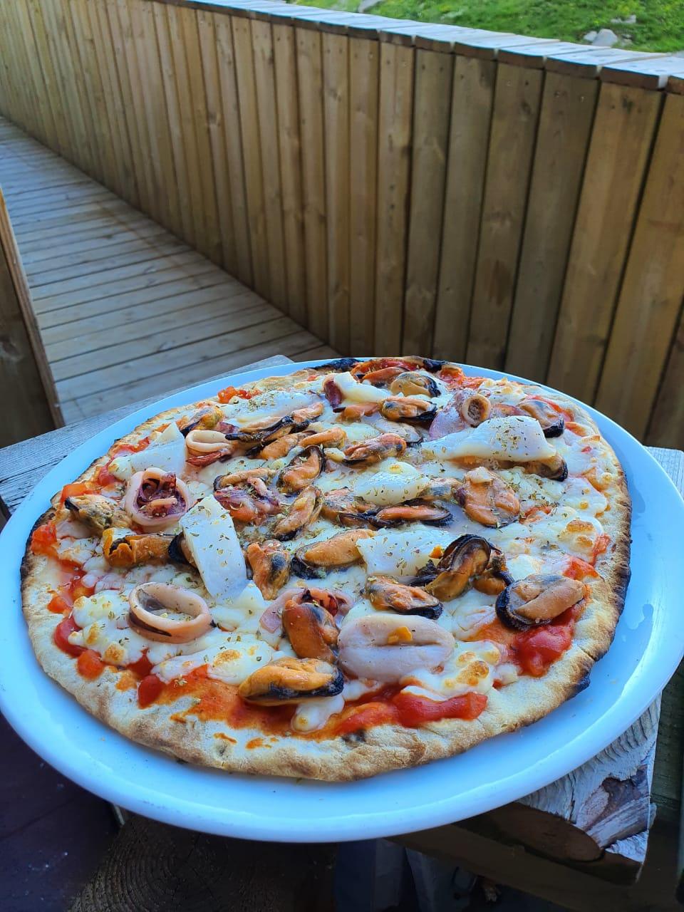 Pizza aux fruits de mer digne des plus grands restos Restaurant El Carlit Pas de la Casa Andorra