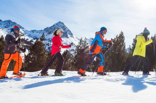 Déplacements frontaliers : l'Andorre accessible aux habitants de l'Ariège et des Pyrénées-Orientales Après le confinement en Andorre, Restaurant El Carlit Pas de la Case en Andorre, ouvre de nouveau ses portes, horaire de 12:00 a 16:00. Soir 19:00 a 22:00. Vendredi et samedi jusqu'au 23:00 heures.