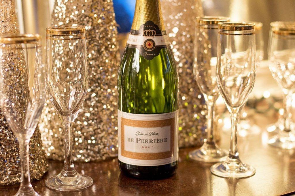 Pour débuter la nouvelle année nous aurons aussi une carte spéciale fin de l'année - Nous vous souhaitons de belles fêtes de fin d'année en espérant vous retrouver bientôt